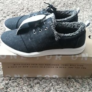 TOMS Del Rey Wool Sneakers 8.5 NWT